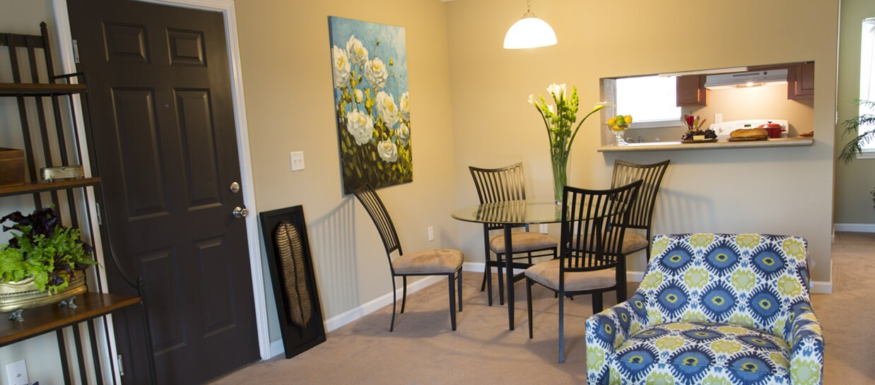 Bay Breeze Furnished Apartment Living and Dining Rooms